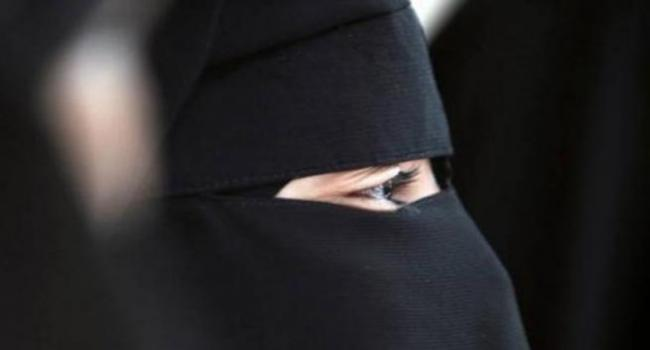 طالبة تونسية تروي تفاصيل تجربتها مع داعش الارهابي وتؤكد عدم ندمها