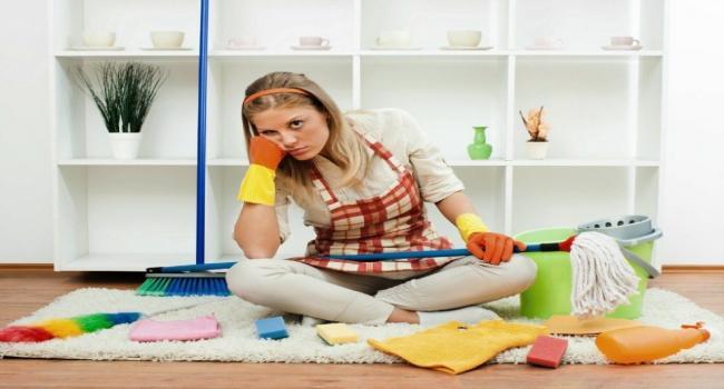 تنظيف المنزل يضر المرأة مثل تدخين 20 سيجارة يوميا!
