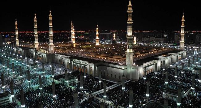 مشاجرة عنيفة بجوار المسجد النبوي