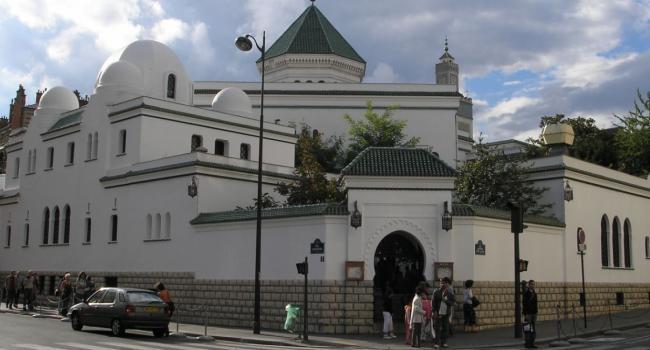 المجلس الفرنسي للديانة الإسلامية يندد بتصريحات فالس
