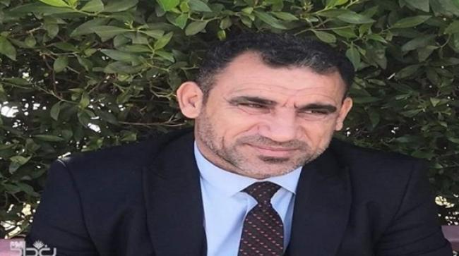 لحظة اغتيال ناشط عراقي على يد مسلحين مجهولين في كربلاء (فيديو)