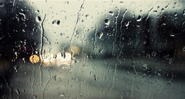 تقلبات جوية بداية من يوم الأحد: انخفاض في درجات الحرارة وتهاطل الأمطار في هذه المناطق