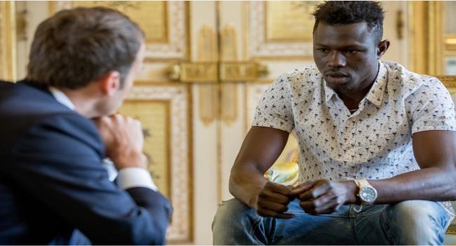 بسبب لعبة «البوكيمون غو»: والد الطفل الذي أنقذه المهاجر الإفريقي بفرنسا يواجه السجن