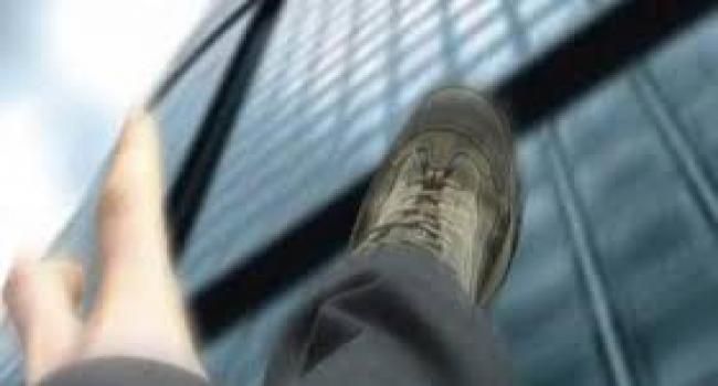 وفاة الشاب الذي سقط من شرفة عمارة في سهلول بسوسة