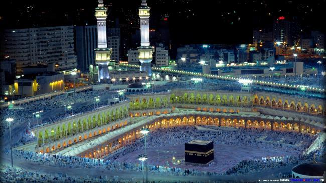 أمير مكة يدعو لاستبدال كلمة «GOD» بـ «ALLAH»