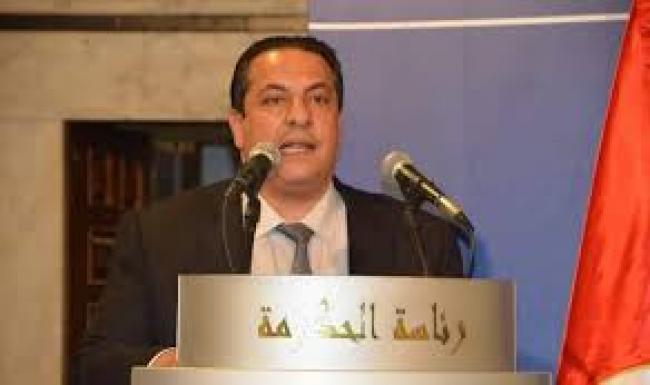 الوزير السابق شكري بن حسن يقاضي مروّجي شائعة فراره