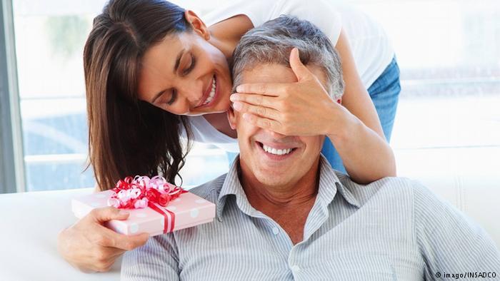 «ليس جدي وإنما زوجي».. قصة حب تحدت فرق العمر