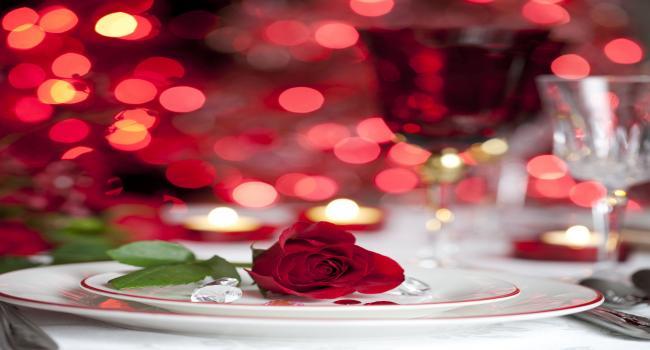 """مطعم بقمرت يمنحك حبيبا أو حبيبة """"وقتيا"""" ليلة عيد الحب ويوجه هذه الرسالة"""