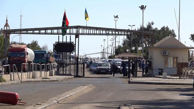 غدا: السماح بدخول التونسيين العالقين بمعبر رأس جدير